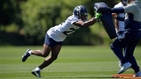 Seahawks cornerback Tre Brown returning to practice from injured reserve